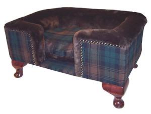 luxury-dog-bed-brown-tartan