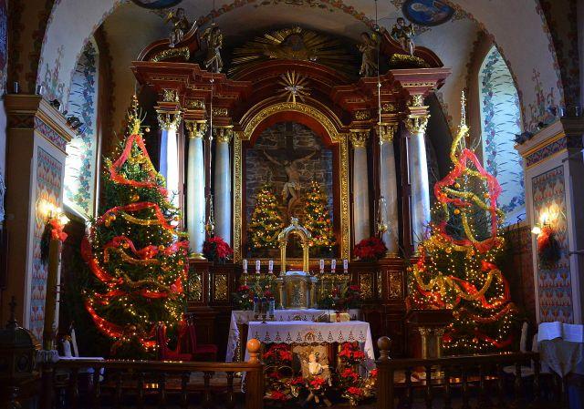 005_Weihnachtsaltar_und_Krippe_in_der_Sanoker_Franziskanerkirche,_2013
